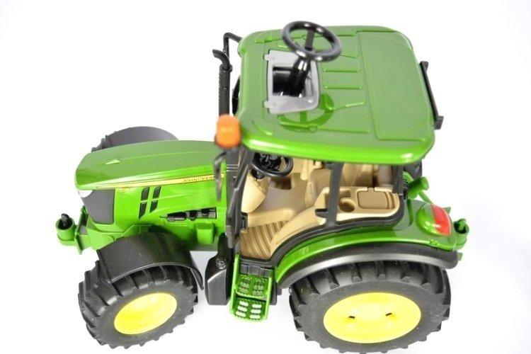 Bruder 02106 traktor John Deere 5115M