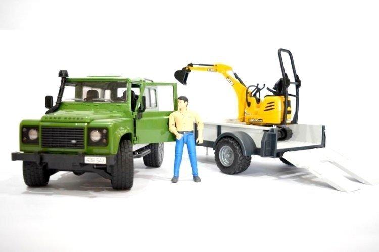 Bruder 02593 Land Rover z przyczepą i koparką 24h